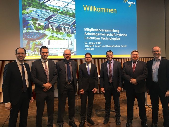 The newly elected Executive Board of the Working Group Hybrid Lightweight Technologies (from left): Dr-Ing Norbert Müller, Manfred Reif, Klaus-Peter Welsch, Martin Würtele, Jochen Schmidt, Lothar Gräbener, Marc Kirchhoff. © VDMA