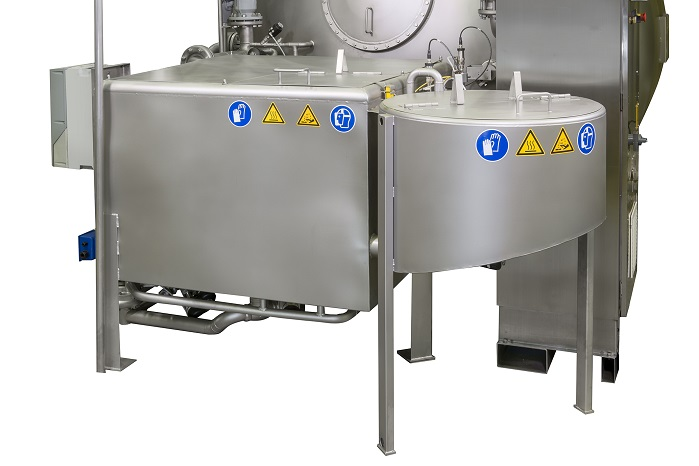 The Smartflow's new bath preparation unit (BPU) and its patented satellite tank. © Fong's Europe