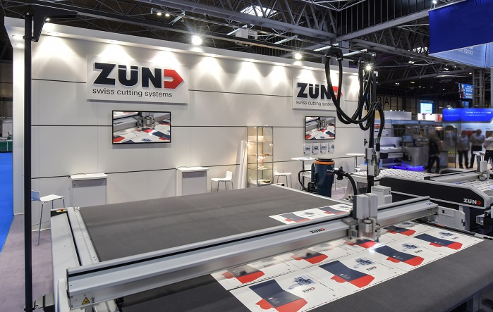 Zünd UK demonstrated two different Zünd cutters at its stand. © Zünd UK