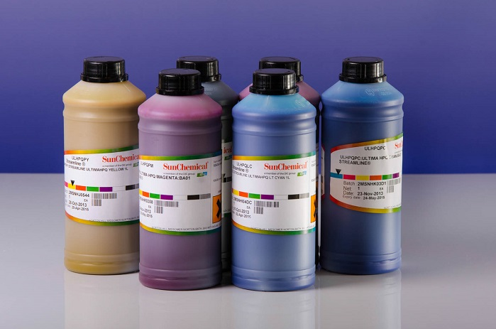 Streamline range of super wide solvent inks. © Sun Chemical