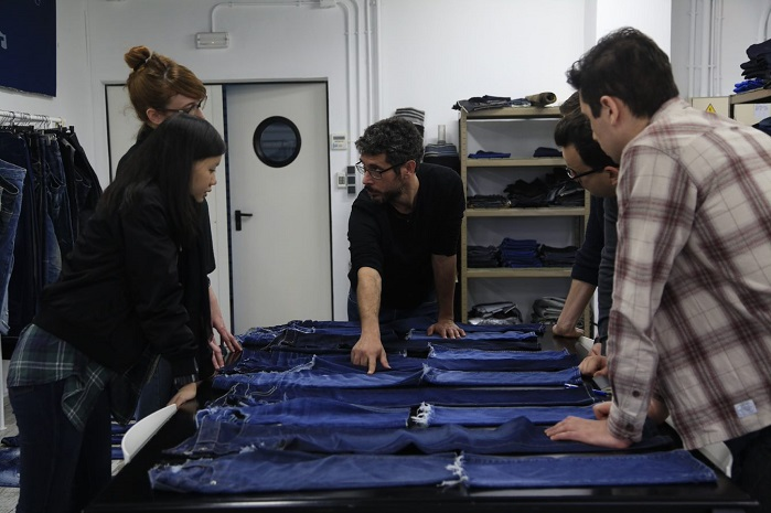 The company collaborates with international universities, contributing to the development of a more efficient, sustainable textiles industry. © Jeanologia