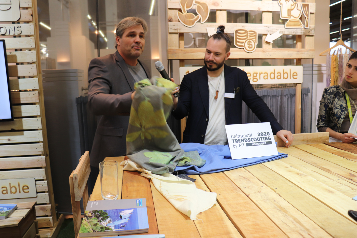 DDF managing director Manuel Schweizer explains the OceanSafe concept to Max Gilgenmann of Kaleidoscope. Image: Adrian Wilson