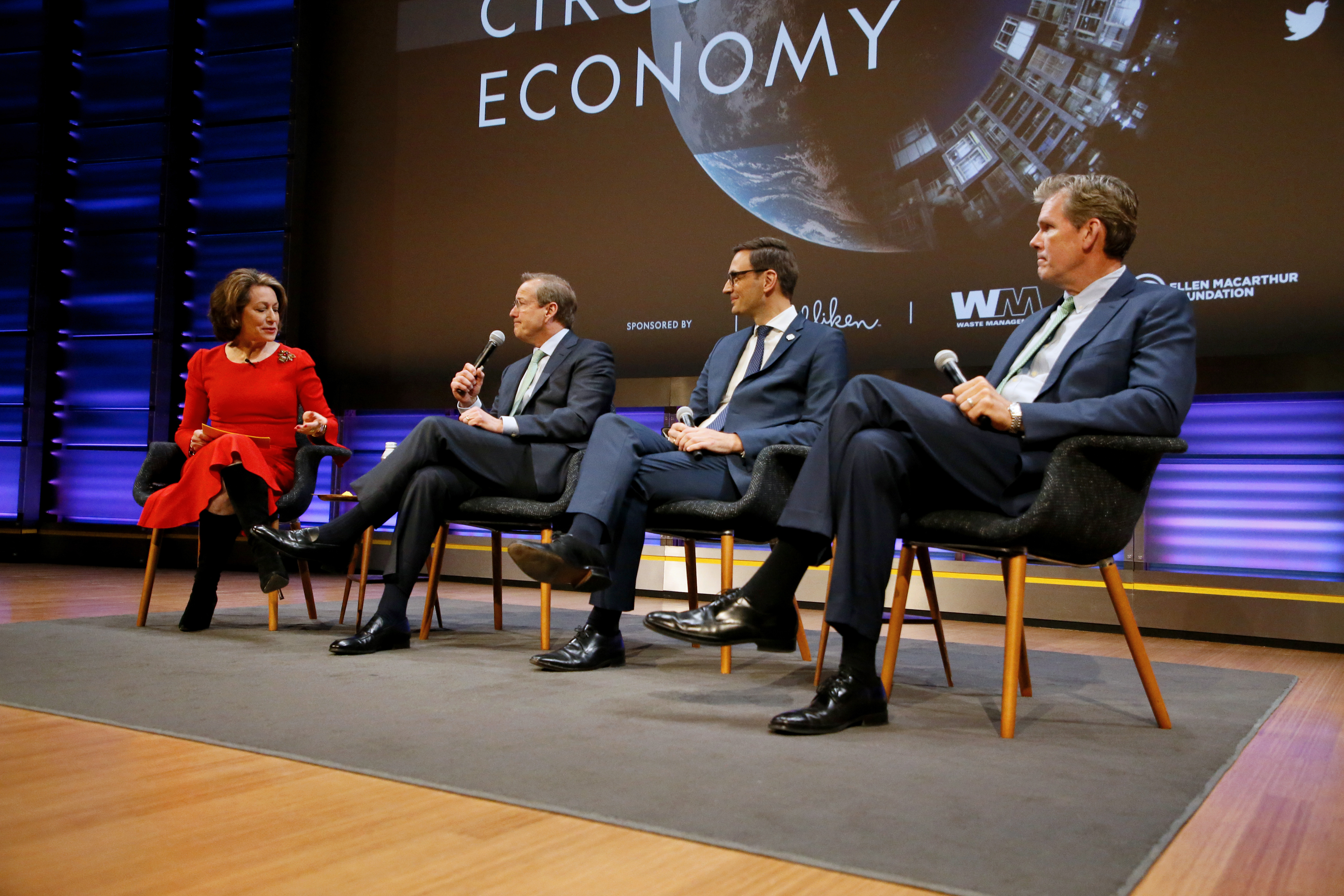 Leading Disruption CEO panel at the National Geographic Circular Economy Forum. © Milliken.