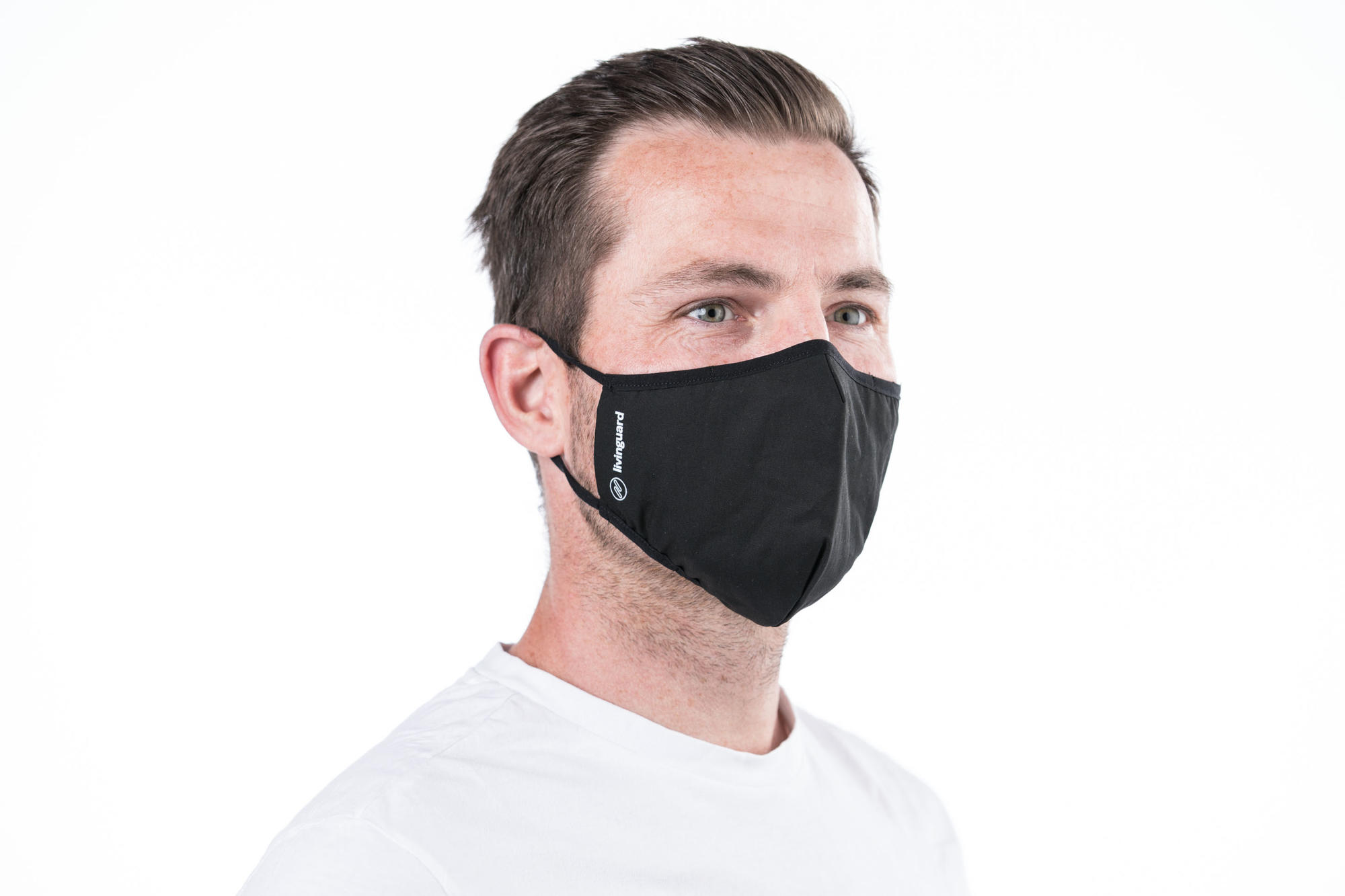 Man with face mask, source: Livinguard.