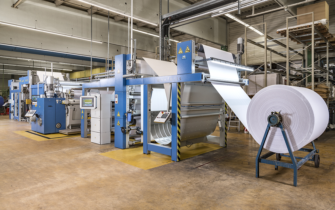 The Monfortex sanforizing line with integrated Qualitex 800 control has now been operational at Kettelhack's plant in Rheine, Westphalia, for a number of months.