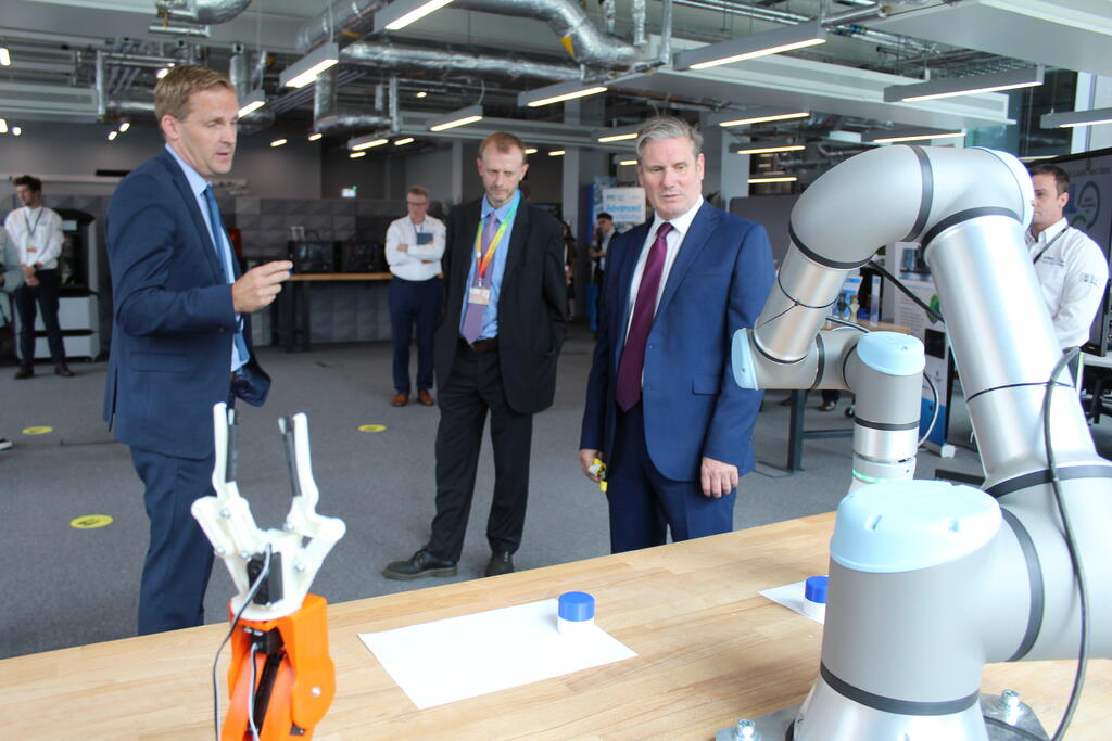 Sir Keir Starmer (right) during the tour of the AMRC Cymru. Image: AMRC.