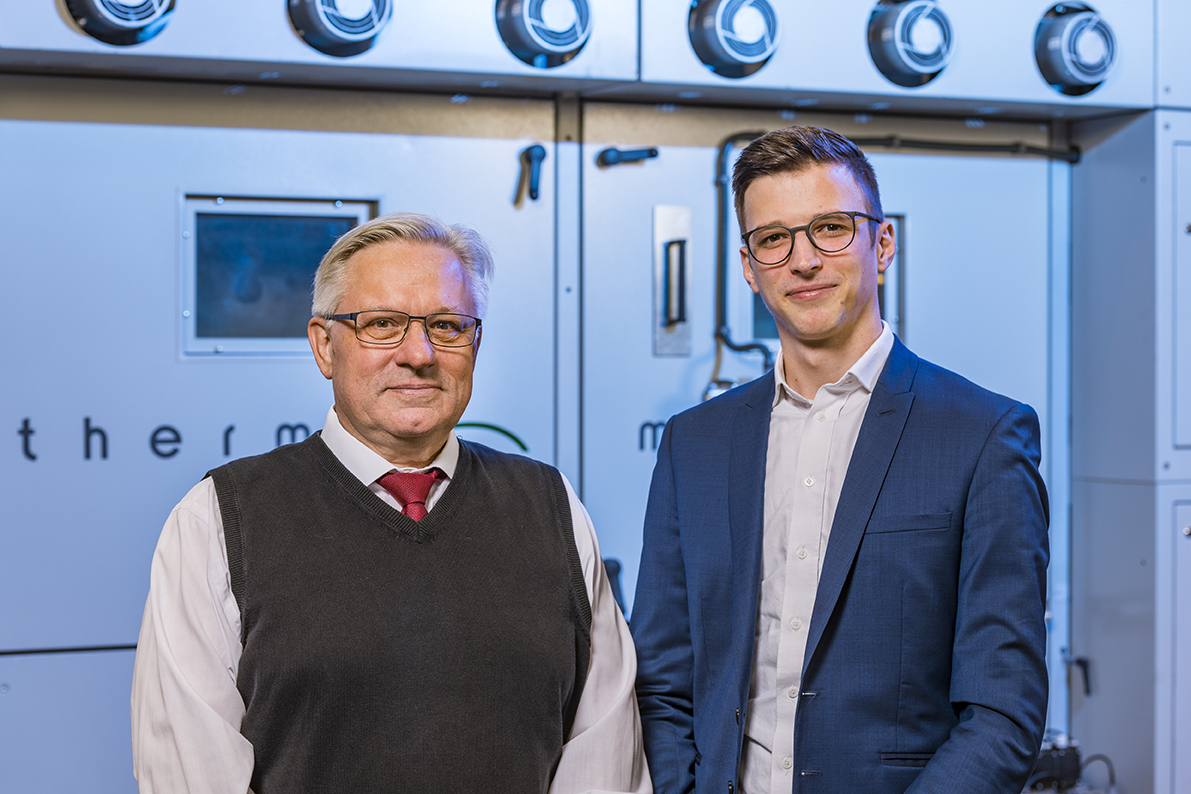Monforts Head of Technical Textiles Jürgen Hanel and textile technologist Jonas Beisel. © Monforts.