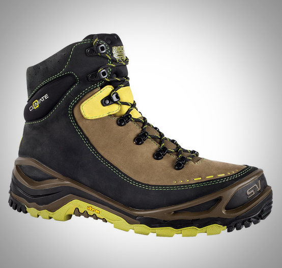 Substratum Direct Attach Hiker with Aerotherm® zoned thermal insulation. © Adidas