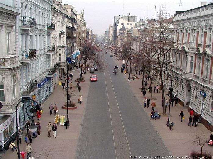 Łódź's Piotrkowska street. © Wikcommons by Konrad Kłoszewski