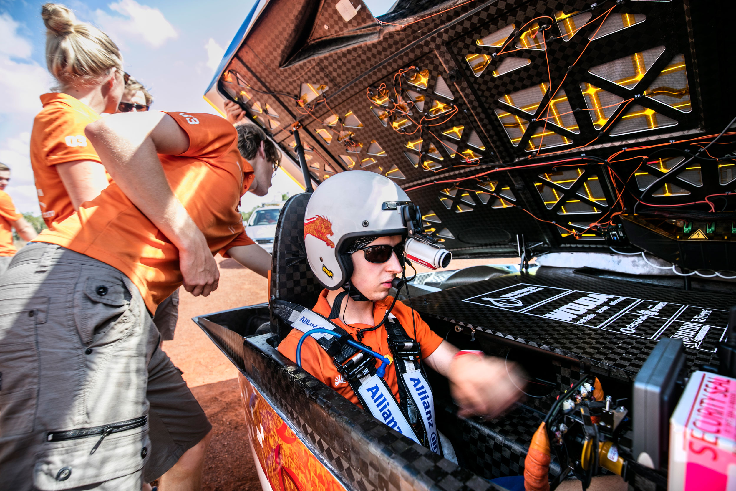 Car Team Using Textreme Wins World Solar Challenge Race