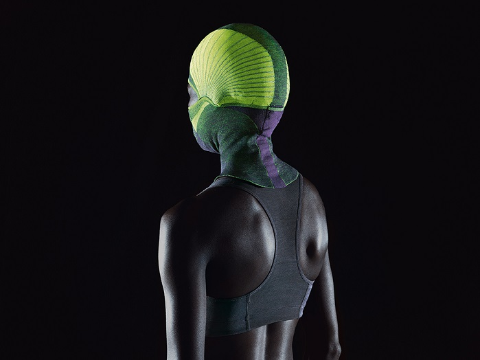 The mask features 3D-knitted pre-shape qualities for a more comfortable fit. © Stoll