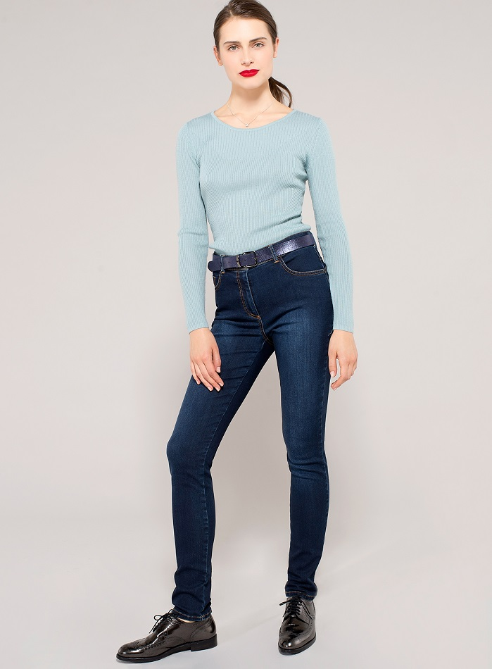Apollon slim jeans are sold for at Un Jour Ailleurs stores in Italy, France, Belgium, Switzerland, Luxembourg and Spain. © Fulgar/ Un Jour Ailleurs