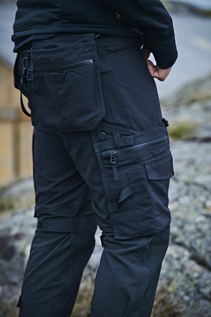 Dunderdon work pant made with Cordura stretch fabric. © Cordura