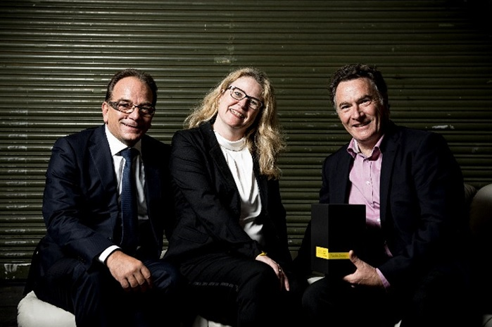 Roland Lottenbach, Head of Research and Development (left), Dagmar Signer, Marketing (centre), and Ruedi Kühne, CFO (right). © Schoeller Textil AG