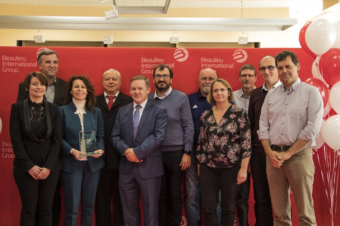 Representatives of FM Global Management and Ideal Fibres & Fabrics Project Team at the Award ceremony on November 7, 2017. © Beaulieu International Group