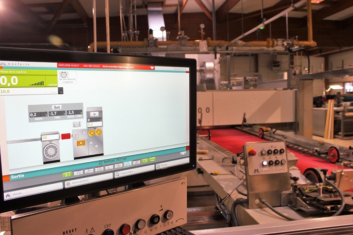 Intuitive, fingertip control of all parameters is provided with the latest Qualitex 800 PLC-controlled visualization system and its accompanying 24-inch monitor system. © Monforts