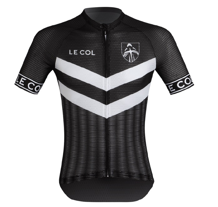 The jerseys are made from 100% recycled fabric, sharing the environmental ethos of SweetSpot. © Le Col