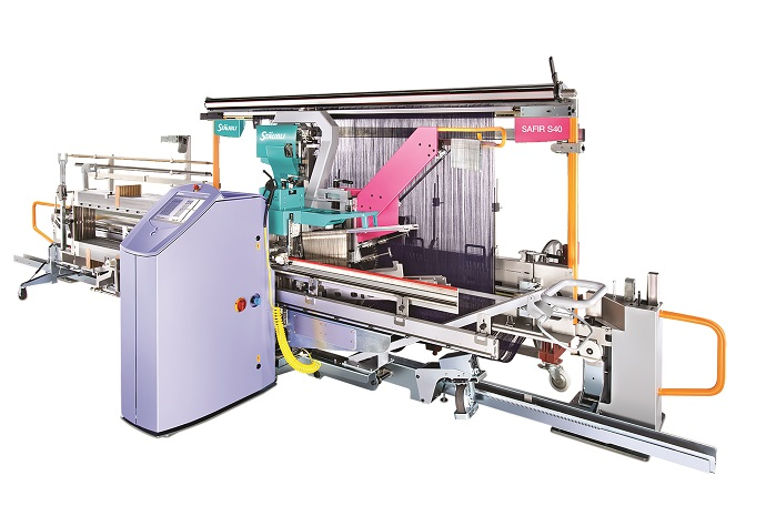 Safir S40 automatic drawing-in machine for denim and gray fabrics. © Stäubli