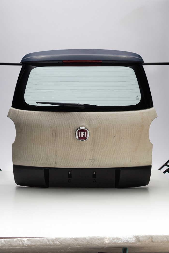 The 3D-Lighttrans tailgate created for the Fiat 500L (back). © Van de Wiele