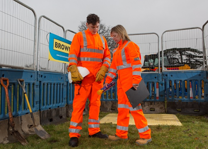ProGARM provides flame resistant safety clothing, such as its arc flash clothing range. © ProGARM