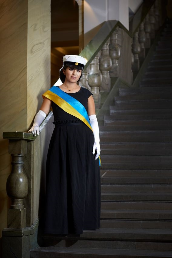 The fabric for ceremony master Andrea Montano Montes' dress at this year's Nobel Banquet is the result of a cross-industry partnership. © Ahlstrom-Munksjö