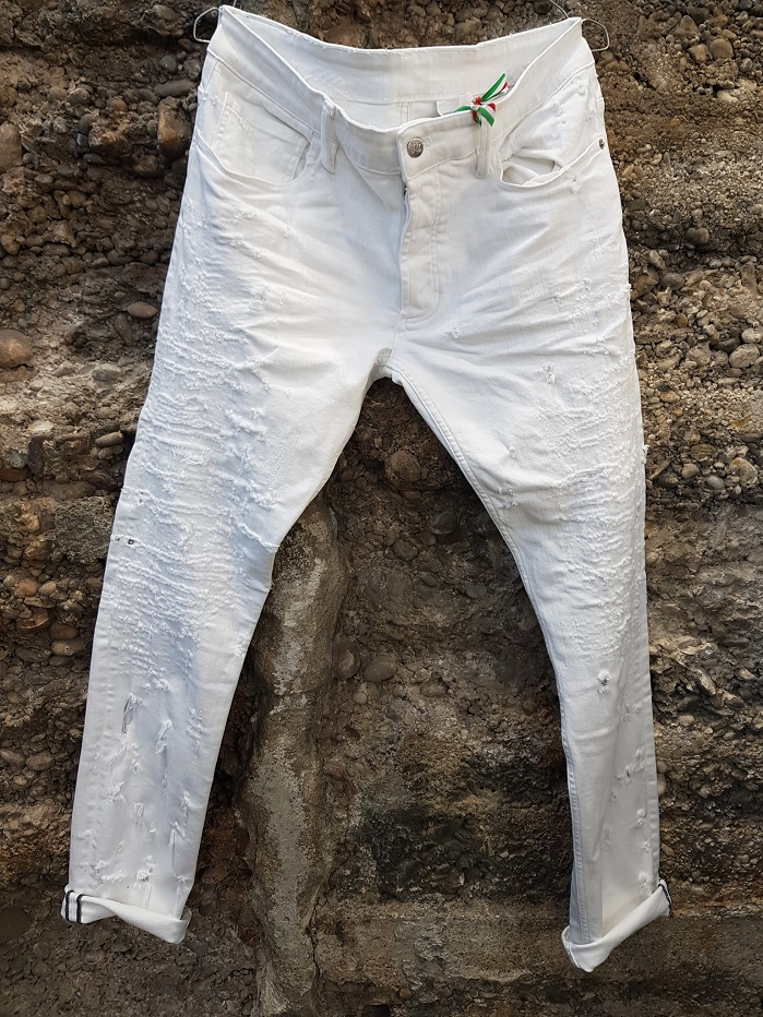 A 100% Made in Italy company offers a range of products ranging from denim to fashion. © PG Denim